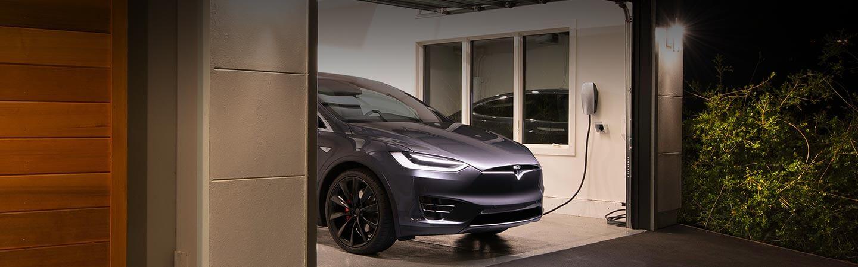 oplaadpunt Tesla, energieneutraal wonen